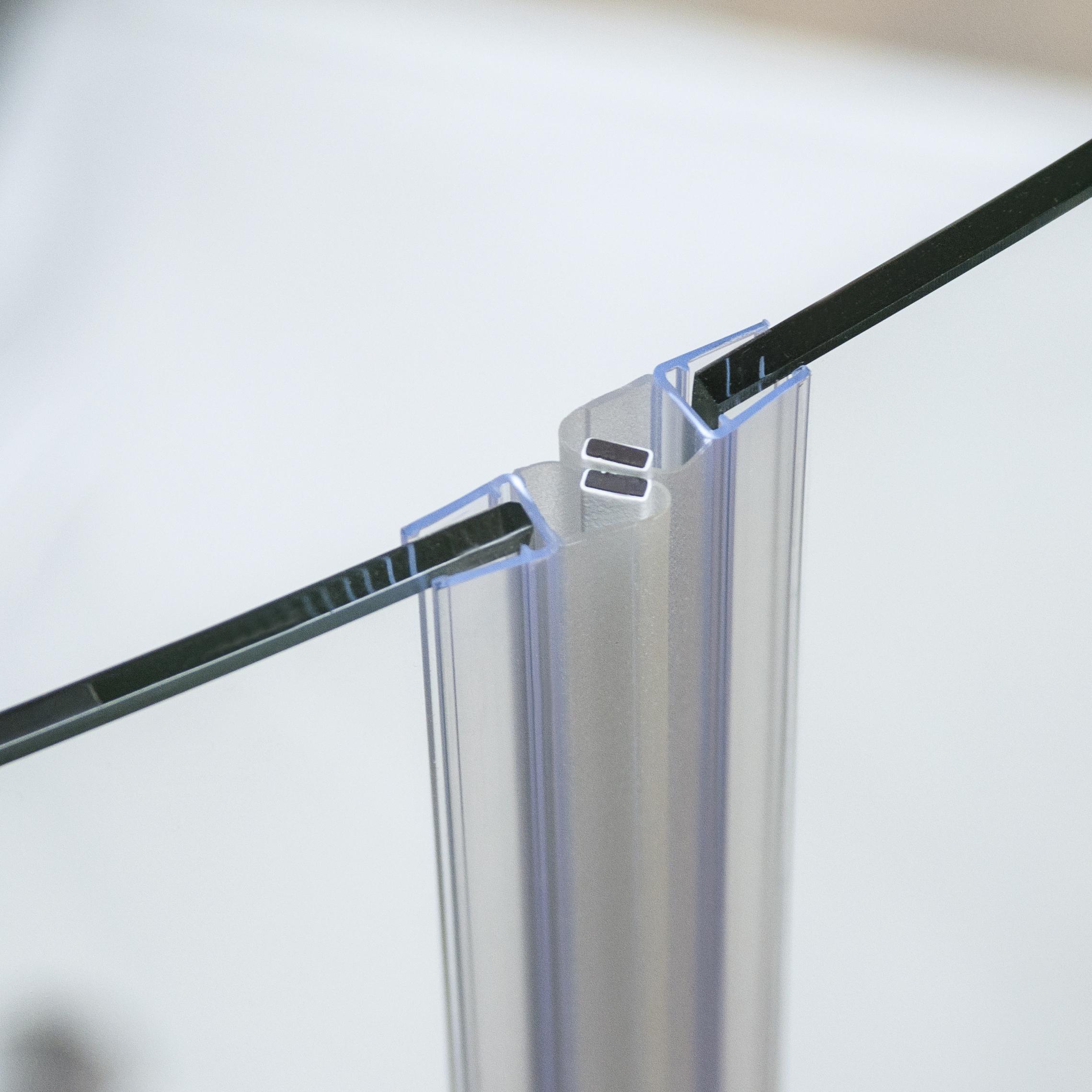Precizní magnetické těsnění sprchových dveří